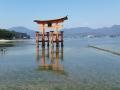 The great torii of Itsukishima shrine:厳島神社の大鳥居